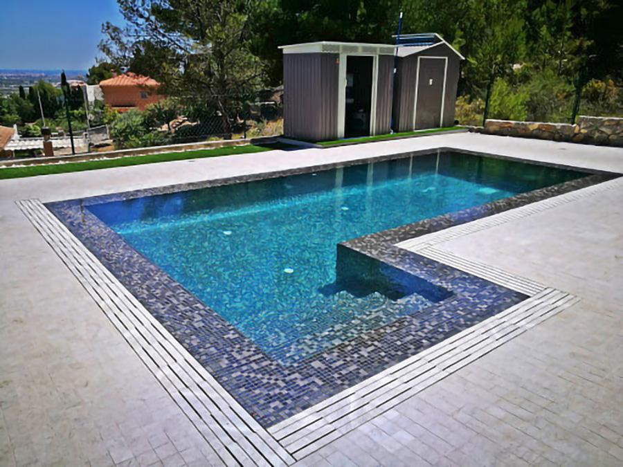 piscina-desbordante-canaletas-bizkaia