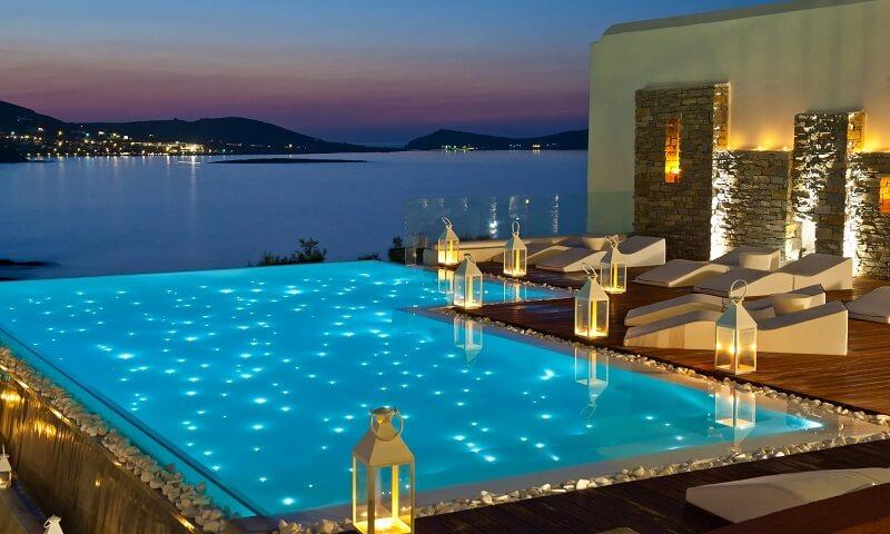 piscina-iluminada-con-luces-bizkaia