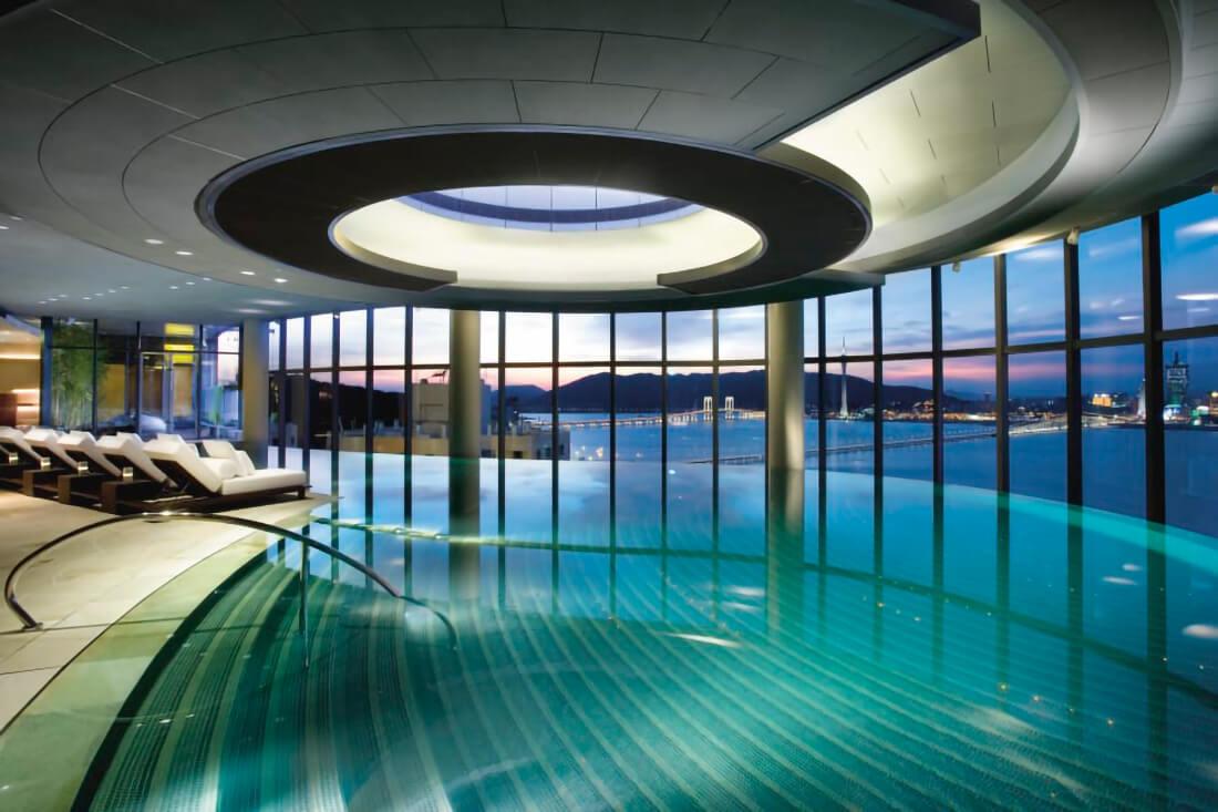 piscina-espectacular-de-diseno