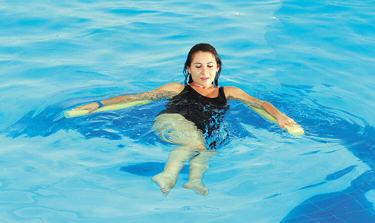 relajacion-en-piscina-uranor