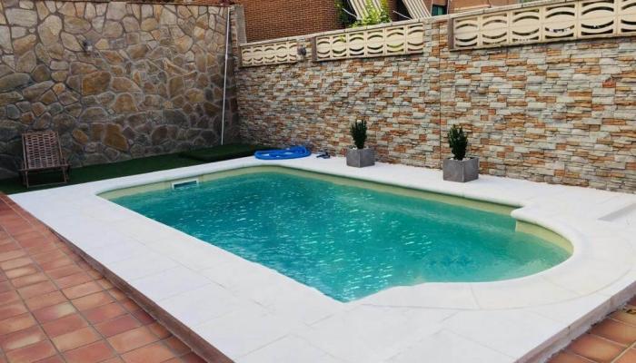 construccion-piscina-poliester-bizkaia-dora-coinpool